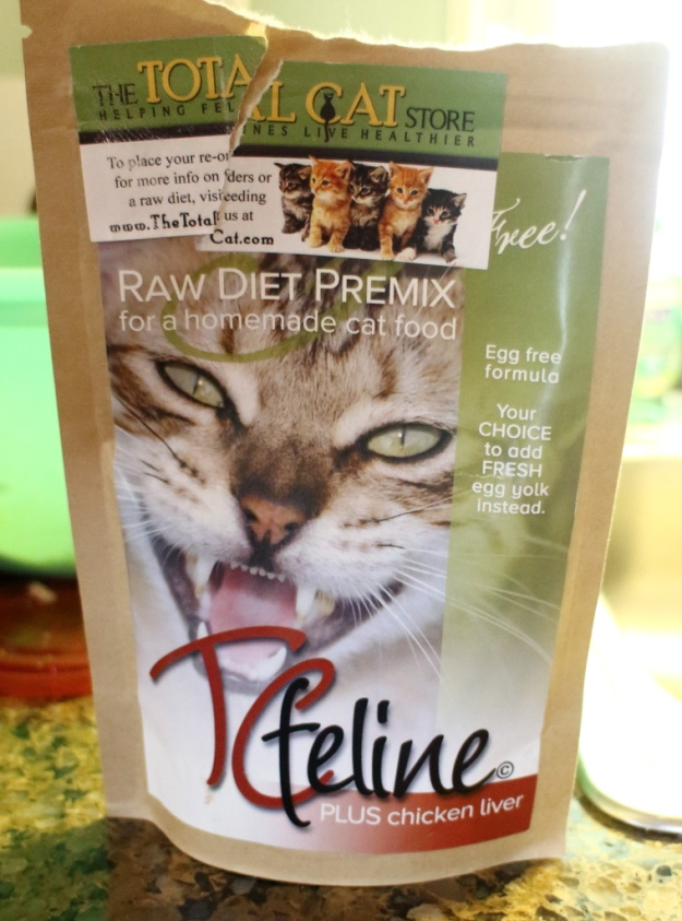 TCfeline raw diet premix cat food